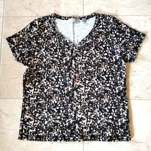 Liz Claiborne short sleeve top t-shirt